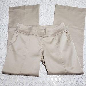 #203✔>>>BEBE cream colored pants *Sz 4P
